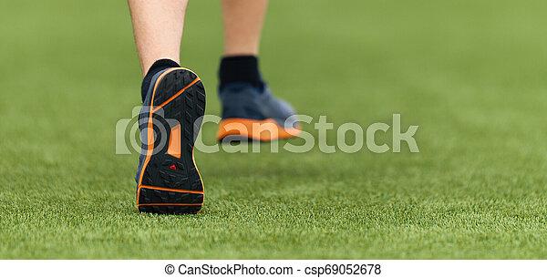 動くこと, スポーツ, 子供, 靴, 細部 - csp69052678