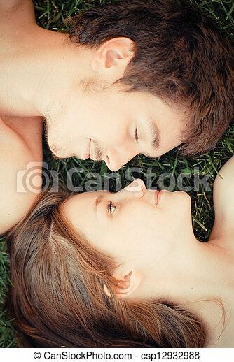 包含, 愛, 幸せな カップル, 若い - csp12932988