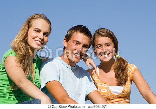 十代の若者たち, グループ, 幸せ - csp6054971