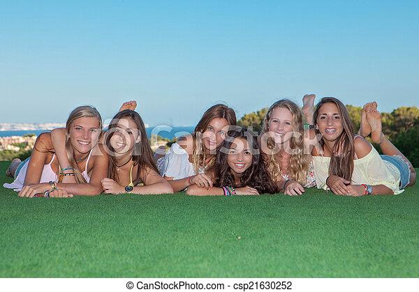十代, 健康, 幸せ, グループ, 女の子 - csp21630252