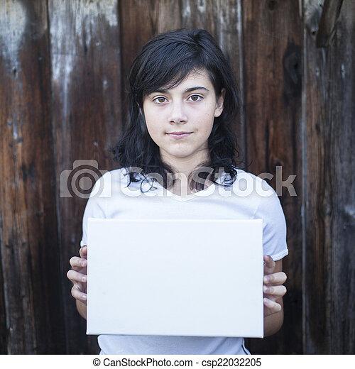 十代, 彼の, シート, バックグラウンド。, 木製の壁, 古い, 女の子, 手, 白 - csp22032205