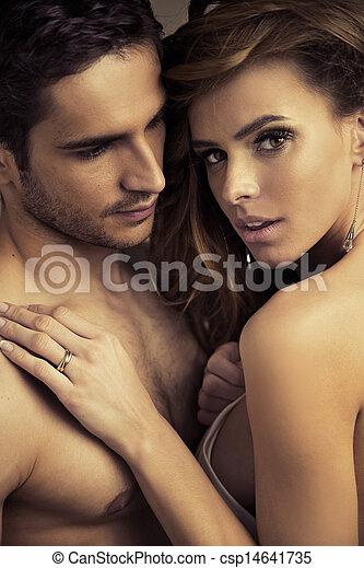 半分 - 裸である, 人, ハンサム, 女性, 彼の, かなり - csp14641735
