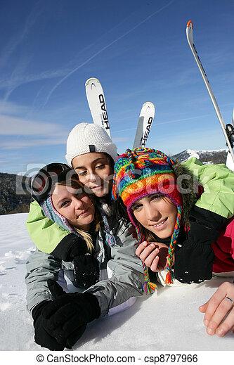 友人, 旅行, 一緒に, スキー - csp8797966