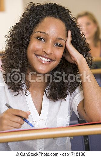 取得, クラス, 学生, focus), (selective, メモ - csp1718136