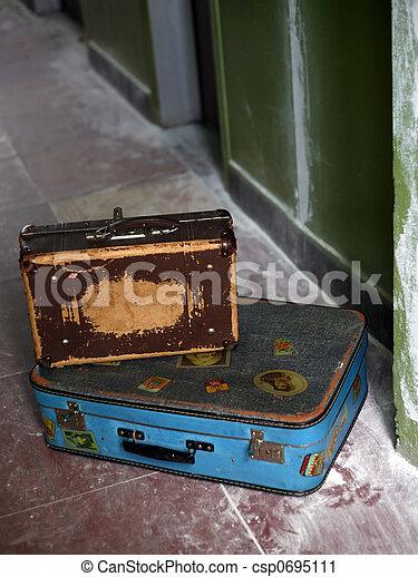 古い, 2, スーツケース - csp0695111