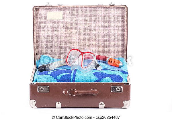 古い, snorkeling, スーツケース - csp26254487