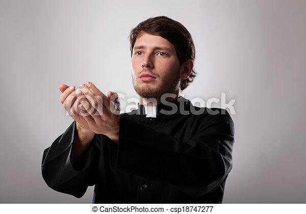 司祭, 説教, 説教 - csp18747277