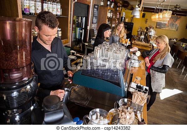 同僚, 顧客, コーヒー, 給仕, バーテンダー, 仕事, カウンター, 間, 女性, マレ - csp14243382