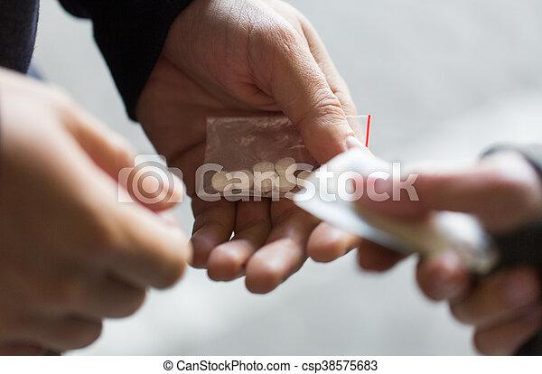 向上, 藥物, 劑量, 迷戀者, 關閉, 經銷商, 購買 - csp38575683