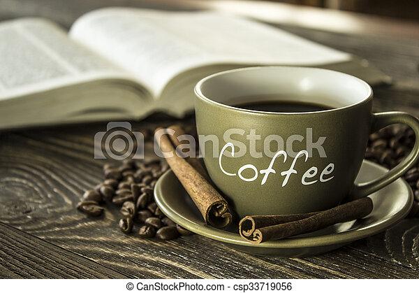 咖啡茶杯, 集中, book., 豆, 背景 - csp33719056