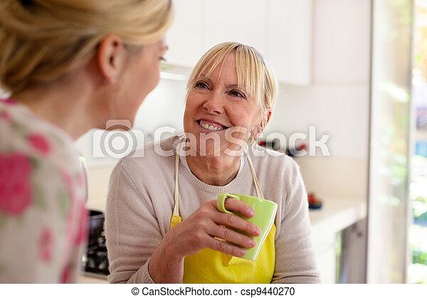 咖啡, 女儿, 谈话, 妈妈, 喝, 厨房 - csp9440270