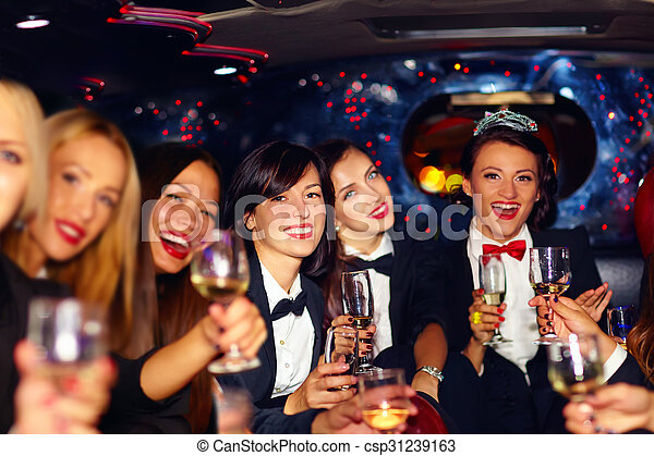 团体, 轿车, 巨大, 妇女, 非常, 党, 母鸡, 开心, 玻璃杯 - csp31239163