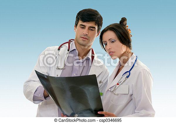 在上方, 醫生, 結果, 二, 授予, x光 - csp0346695