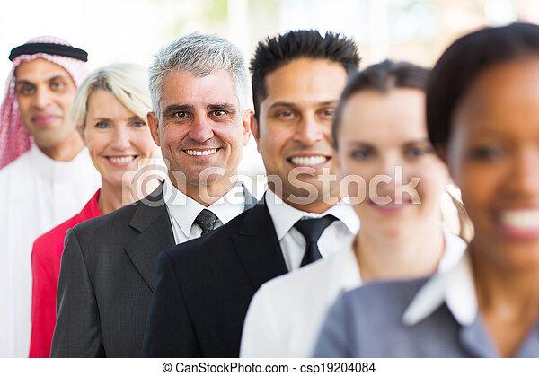地位, ビジネスマン, シニア, 横列 - csp19204084