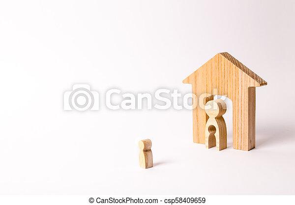 地位, 体, 彼の, ドア, 形態, 家, 離れて, 母, house., 動くこと, 養子, 顔つき, 子供, children., home., 空間, leaving., 前に - csp58409659
