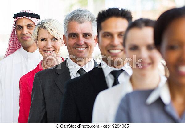 地位, 女性実業家, 横列, 年を取った, 中央 - csp19204085