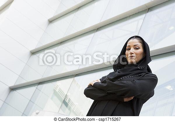 地位, 建物, 女性実業家, 屋外で, focus), (selective - csp1715267