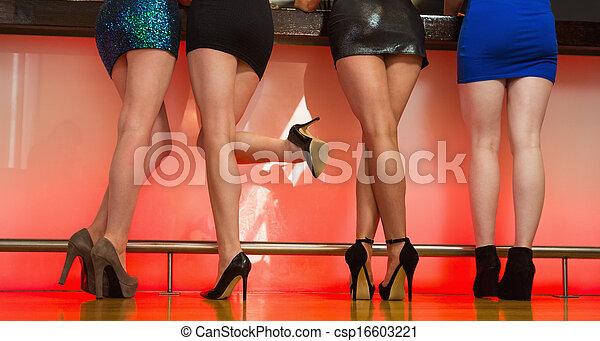 地位, 背中, カメラ, セクシー, 足, 女性 - csp16603221