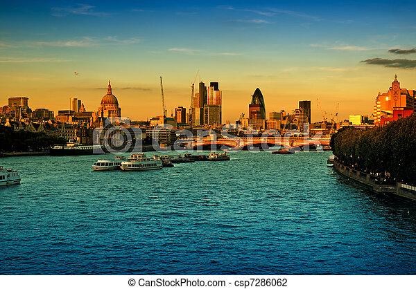 城市, 倫敦 - csp7286062