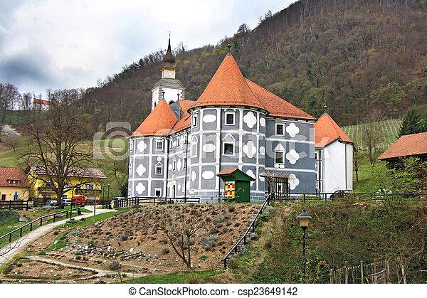 城, olimje, スロベニア - csp23649142