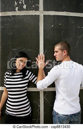 壁, 情愛が深い, 恋人, 立った - csp8813430
