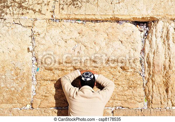 壁, 祈ること, 西部, 人 - csp8178535