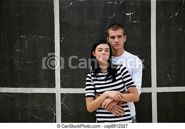 壁, 都市, 恋人, 立った, 若い - csp8812327