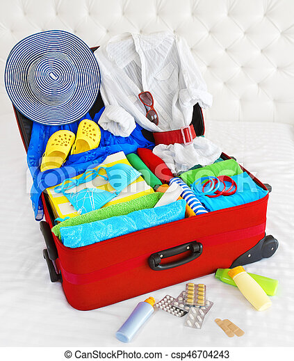 夏, フルである, 手荷物, 旅行, 休暇, 手荷物, 袋, スーツケース, 休日, 開いた, パックされた, 衣服 - csp46704243