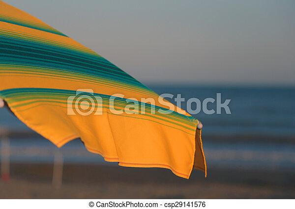 夏, 傘, 日当たりが良い, 黄色緑, 浜 - csp29141576