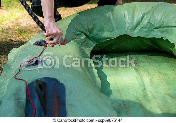 夏, 屋外, boat., キャンプ, 自然, 日, ゴム, 緑, 釣り, 屋外で, 膨らむ, 人, 旅行, 準備 - csp69675144
