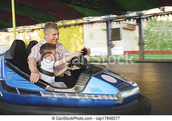 夏, 彼の, 孫, 乗車, 公園, 祖父, 車。, 行きなさい, 私 - csp17848377