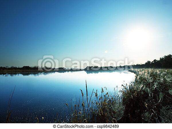 夏, 湖 - csp9842489