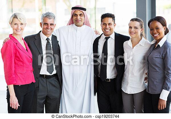 多人種である, ビジネス チーム - csp19203744