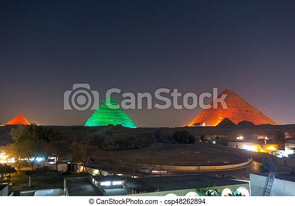 大きい ピラミッド, 夜 - csp48262894
