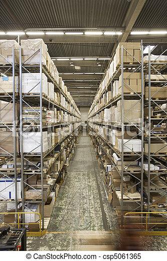 大きい, 倉庫 - csp5061365