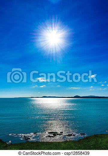 太陽, 浜 - csp12858439