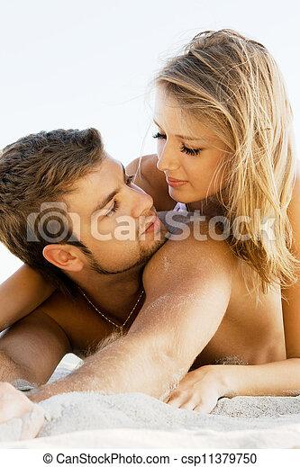 夫婦, 海邊, 浪漫 - csp11379750