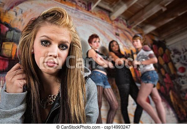 女の子, ギャング, 怖じけさせるようである - csp14993247