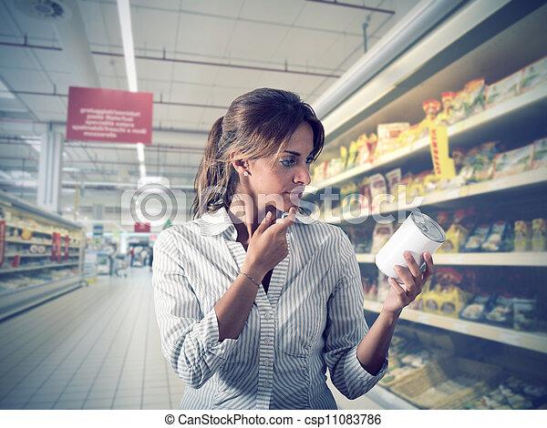 女の子, 不確実, スーパーマーケット - csp11083786
