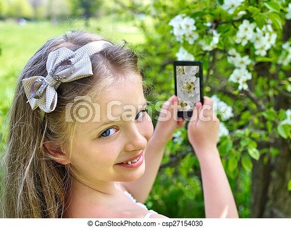 女の子, 木。, スナップショット, 開くこと - csp27154030