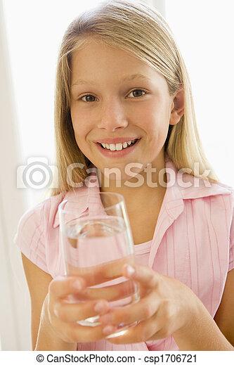 女の子, 若い, 水, 屋内, 微笑, 飲むこと - csp1706721