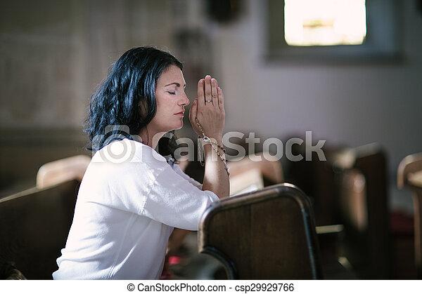 女性の祈ること - csp29929766