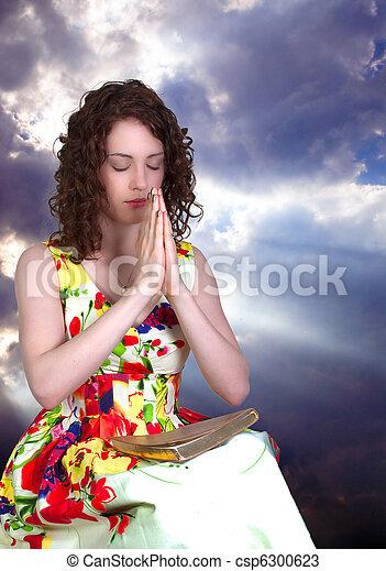 女性の祈ること - csp6300623