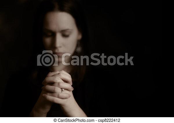 女性の祈ること - csp8222412