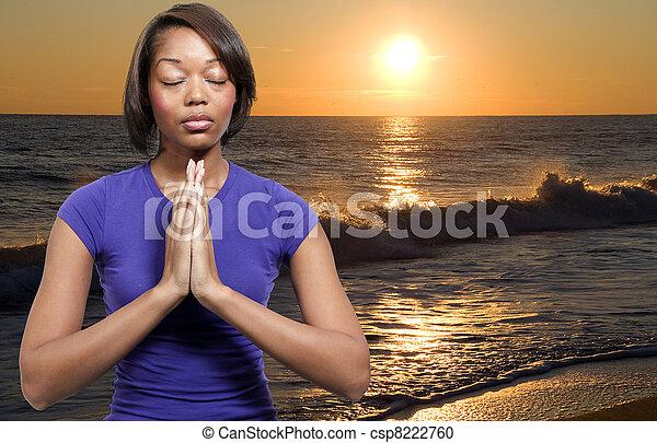 女性の祈ること - csp8222760