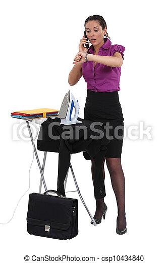 女性実業家, アイロンをかけること - csp10434840