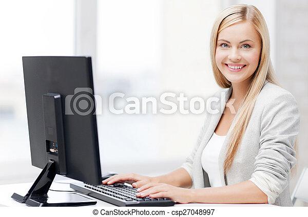 女性実業家, コンピュータ - csp27048997