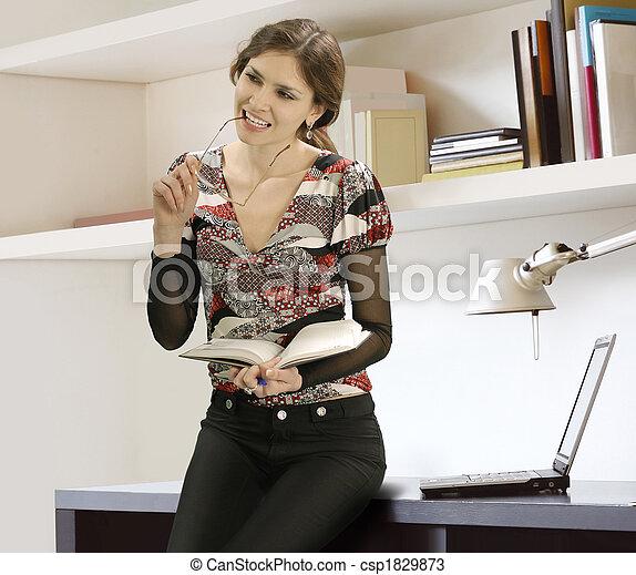 女性実業家, 本 - csp1829873
