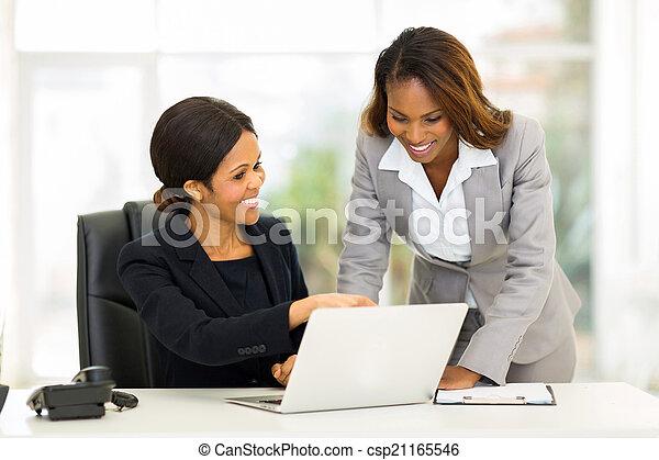女性, コンピュータ, 仕事, ビジネス, アフリカ - csp21165546