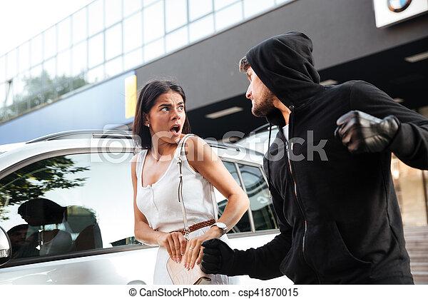 女, おびえさせている, 泥棒, 若い, hoodie, 強奪すること, 攻撃的である, 人 - csp41870015